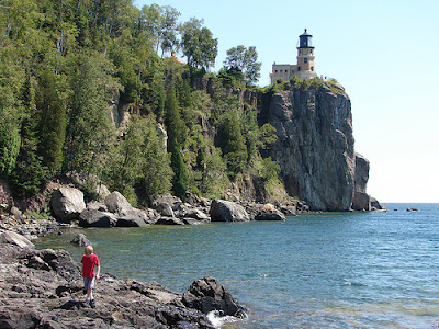 duluth_shore_lighthouse2.jpg
