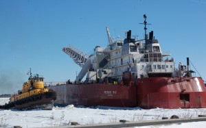 The Presque Isle left the the Port of Duluth  with assistance from ice cutting vessels last weekend, but is now returning to harbor for repairs.