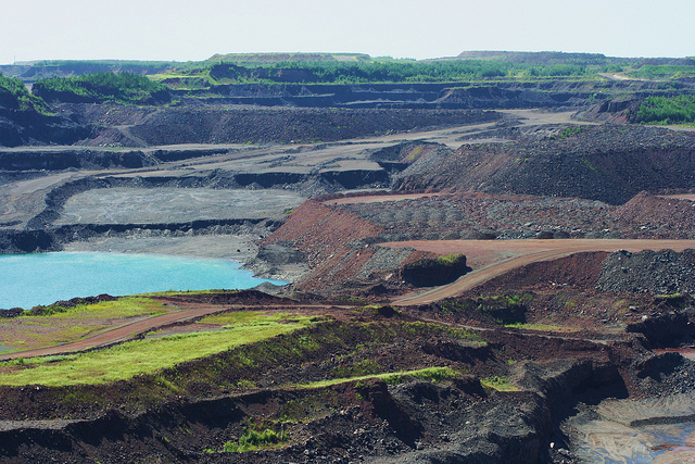The Hull Rust Mahoning Mine Pit located just north of Hibbing, Minnesota. (PHOTO: Lars Hammar, Creative Commons license)