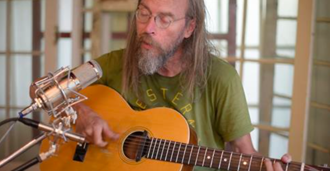 Charlie Parr performs on the NPR program Folk Alley. (screen shot)