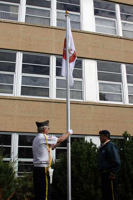 In 2013, the flag of the Leech Lake Band of Ojibwa was first flown outside the Itasca County Courthouse in Northern Minnesota. (Jennifer Bevis, Flickr CC)