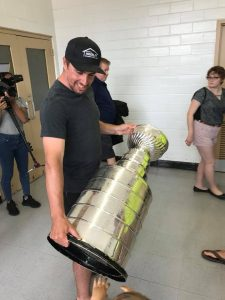 Niskanen brings Stanley Cup home on the Range